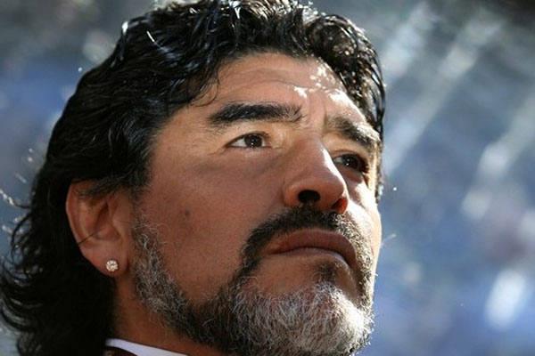 Para Maradona, Brasil é favorito no mundial