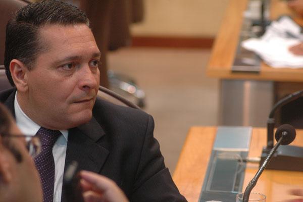 Deputado Ezequiel Ferreira fez duras críticas a Benito Gama