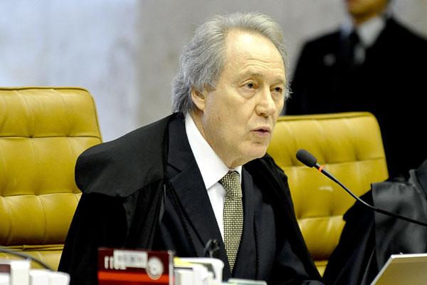 Absolvição de João Paulo Cunha por  Lewandowski é a primeira divergência com o relator