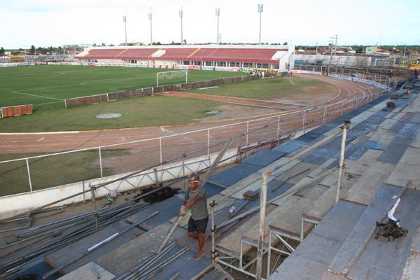 Arquibancadas móveis do estádio Nazarenão passaram por vistoria de segurança e vão passar pelo primeiro teste no clássico de amanhã