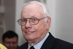 Armstrong morreu aos 82 anos de problemas no coração