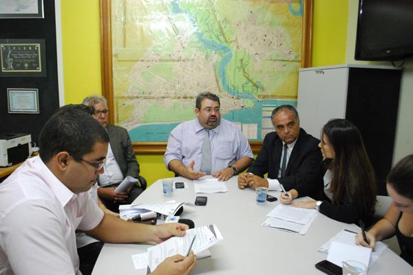 Márcio Sá explica reajuste das tarifas em entrevista coletiva convocada durante a tarde de ontem
