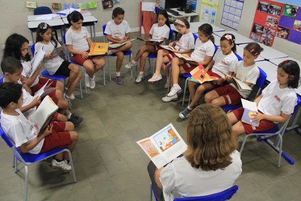 Escola da rede estadual garante ambiente acolhedor para a leitura