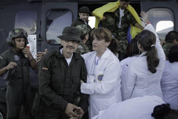 Em abril deste ano, o governo brasileiro e a Cruz Vermelha participam de um esforço conjunto para resgate de refém das Farcs
