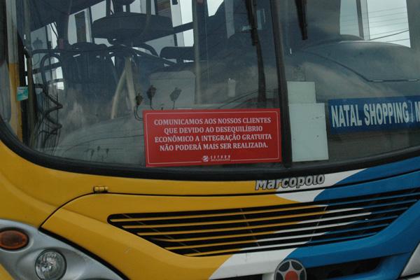 Comunicado já  foi colocado nos ônibus que circulam em Natal