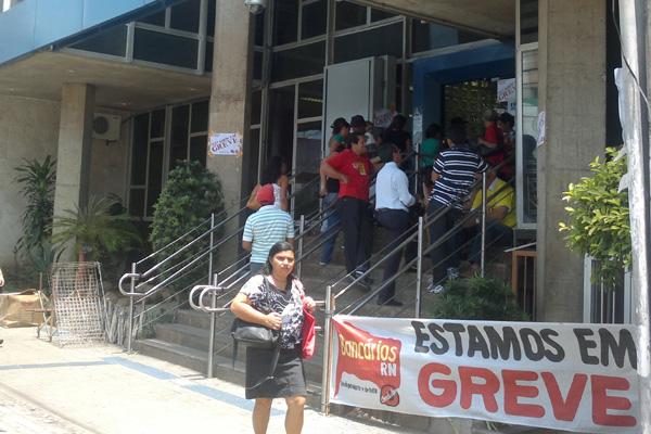 Bancários de instituições públicas e privadas paralisaram as atividades desde ontem em Natal