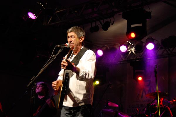 FEstejando 40 anos de carreira e da canção Mucuripe, que lançou sua carreira, e ainda prestes a lançar DVD, Raimundo Fagner conversa com o FIM DE SEMANA sobre show em Natal, canções e a relação com os potiguares