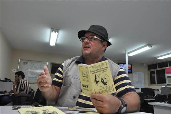 Hugo Tavares Dutra diversificou sua produção sobre política com músicas bem humoradas