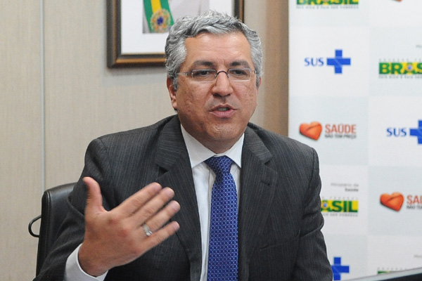 Padilha: monitoramento inédito dos planos de saúde no Brasil
