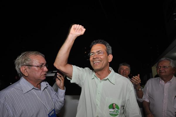 Feliz com o segundo turno, Hermano Morais diz não ter tempo a perder e hoje mesmo já se reúne para analisar alianças políticas