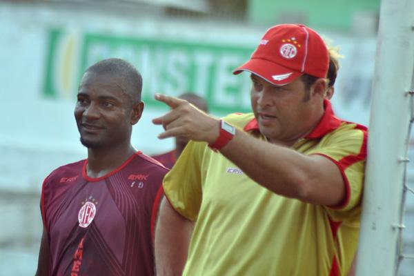 Satisfeito com o retorno ao time, Ricardo Baiano revelou que, apesar de respeitar a decisão do treinador, não se conformou com a reserva