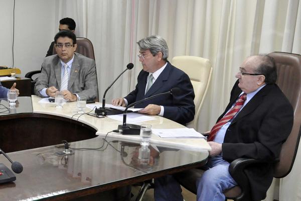 Deputados da Comissão de Fiscalização farão a primeira análise da proposta de orçamento