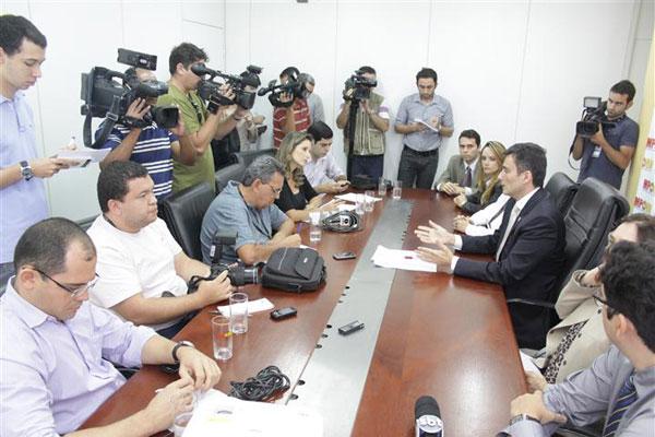 O Procurador Geral de Justiça Manoel Onofre Neto concedeu entrevista coletiva para a imprensa sobre a prisão do promotor da comarca de Parnamirim