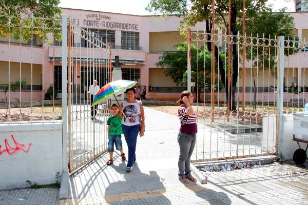 Movimentação nos colégios de Petrópolis foi tranquila durante a manhã