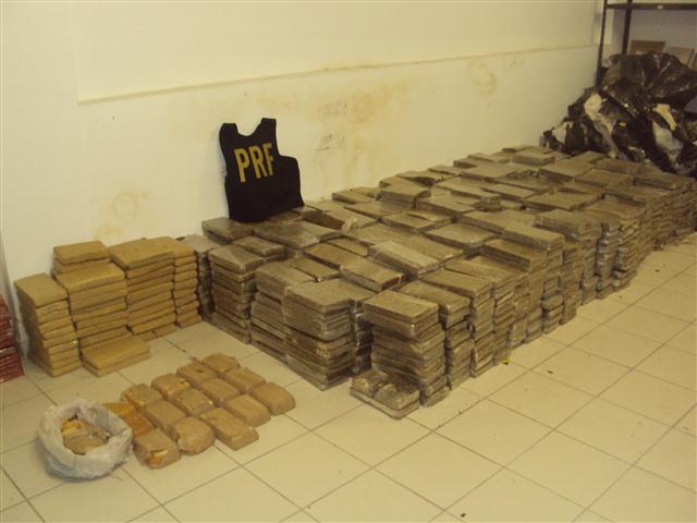 Mais de 1,2 tonelada de drogas foram apreendidas pela Polícia Rodoviária Federal