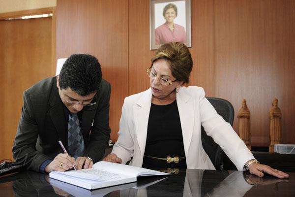Anselmo Carvalho foi empossado como novo controlador geral do Estado