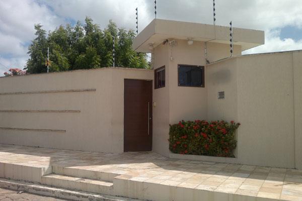 Micarla permaneceu em casa após a decisão sobre o afastamento da Prefeitura