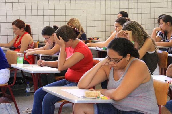 Alunos do ensino médio buscam pontuação que seja aproveitada para ingresso na universidade