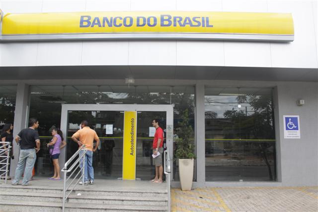 Assalto a Agência do Banco do Brasil na avenida Presidente Bandeira com a Jaguarari no Alecrim.