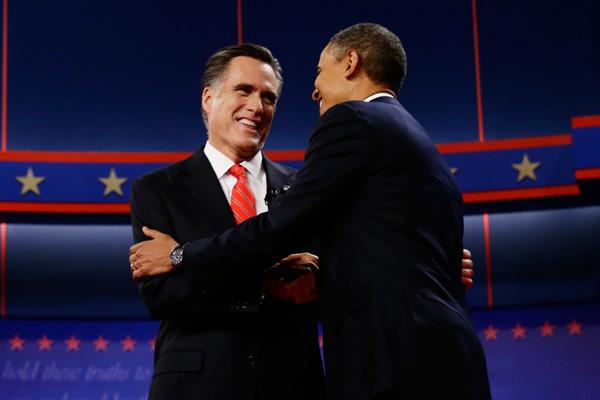 Na véspera da eleição mais disputada dos últimos tempos, os candidatos Barack Obama e Mitt Romney fazem maratona de viagens na tentativa de conquistar votos nos estados considerados indecisos. Eleição será hoje, mas resultado só será divulgado no dia 17 de dezembro