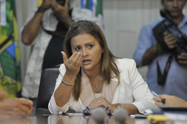 Micarla de Sousa está afastada do cargo, com base no pedido apresentado pelo Ministério Público