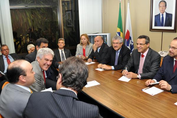 Henrique Eduardo participa de reunião, em Brasília, com deputados que integram a bancada do Partido da República