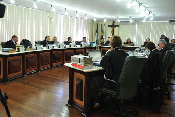 Desembargadores iniciam a apreciação do recurso contra o afastamento de Micarla do cargo de prefeita