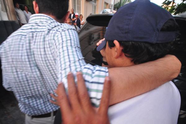 Antes de ser liberado pela Justiça, promotor passou pela sede do Instituto Médico Legal