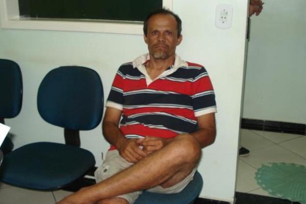 Alcivan Mendes ainda tentou entrar no matagal para fugir após ser parado pela PRF