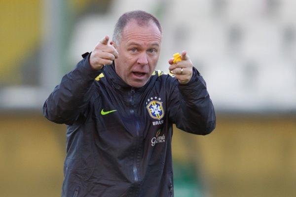 Após dois anos no comando da Seleção, Mano Menezes foi demitido após reunião na CBF