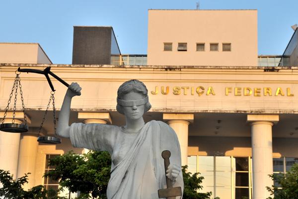 Resultado de imagem para Após pedido da AGU, Justiça Federal suspende remanejamento de R$ 225 milhões para pagamento de salários de servidores do RN