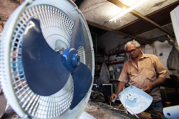 Francisco Raimundo da Silva, comerciante  do Mercado da 4, no Alecrim, está no local desde 1996