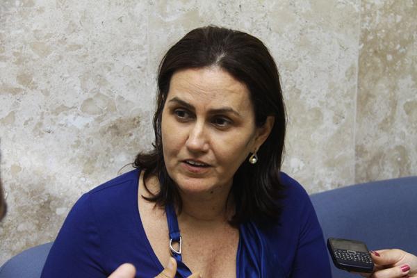 Virgínia Ferreira disse que uma das saídas é parcelar a dívida