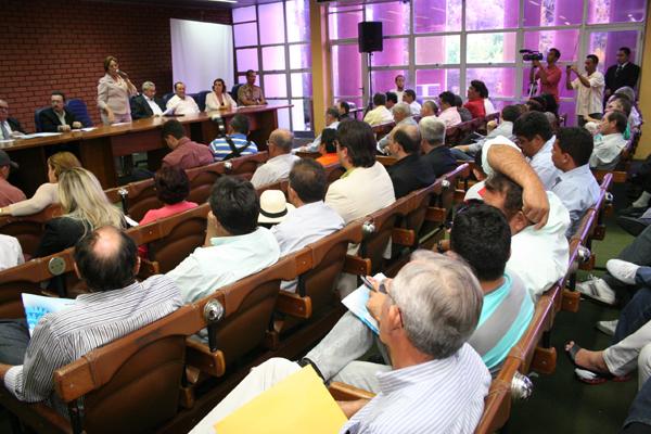 Prefeitos eleitos participam de reunião para discutir ações emergencias de enfrentamento à seca