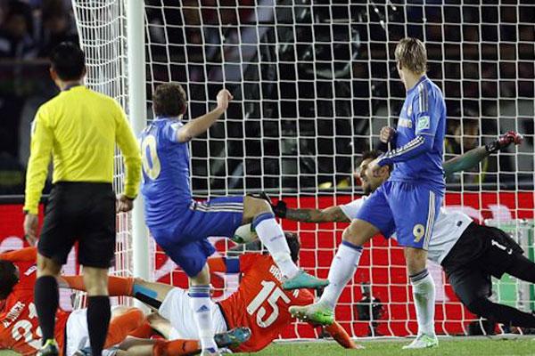 Chelsea venceu com facilidade e vai em busca de título inédito