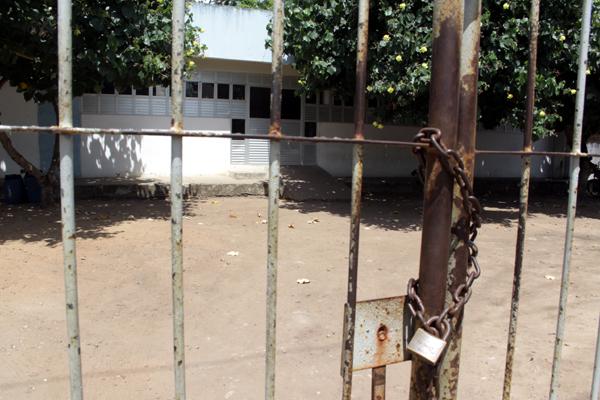 Sem equipes da Polícia Civil, a Delegacia de Canguaretama está de portas fechadas. É uma das 127 cidades do interior que não conta com delegado para garantir investigações