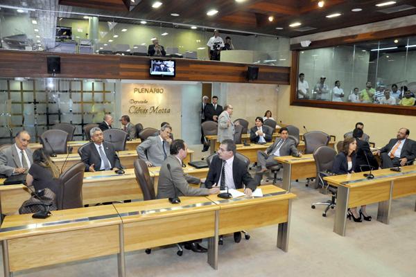 A mensagem aprovada hoje altera a Lei Estadual nº 6.038/90 e reestrutura o Grupo Ocupacional Fisco