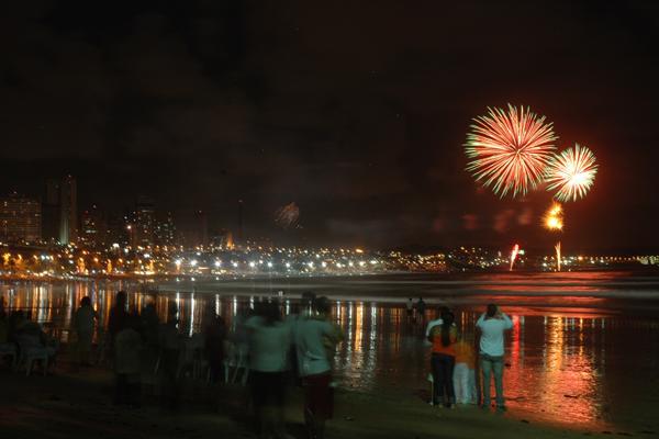 Tradicionais fogos na praia de Ponta Negra não acontecerão nesta virada de ano