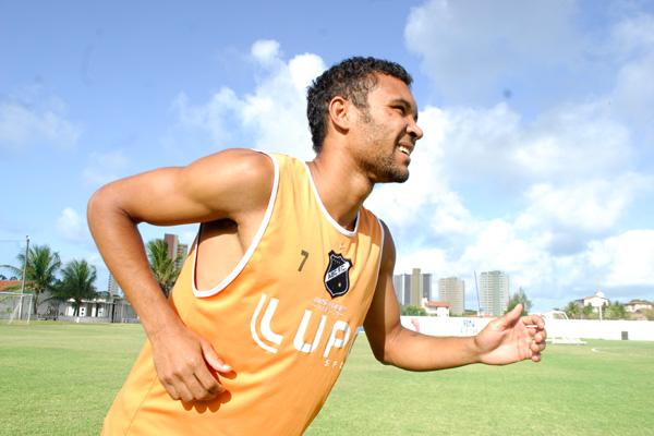 Bileu, que tinha deixado o clube no final de 2012, retorna ao ABC