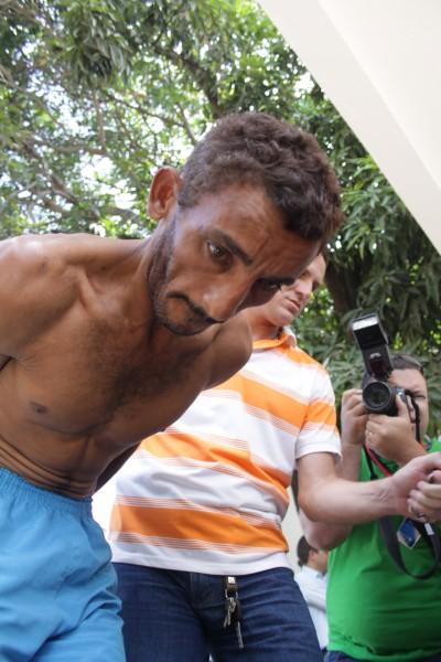 Wagner de Lima, preso pelo assassinato de Maria Lúcia, na avenida Bernardo Vieira, na noite dessa segunda (7)
