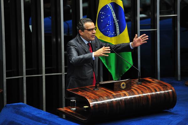 Henrique Eduardo tem reunido parlamentares para discutir a sucessão na Câmara dos Deputados