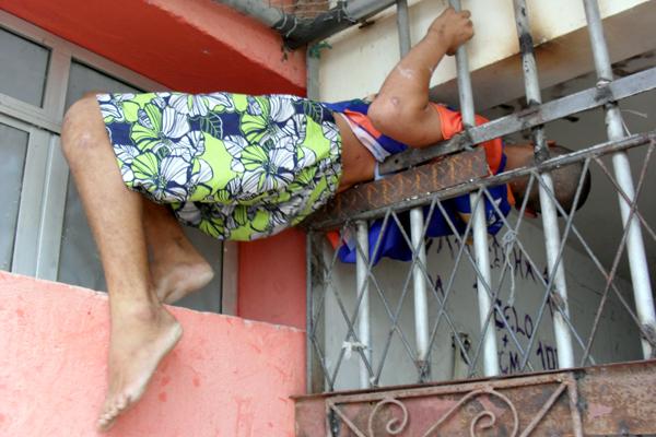 Leonardo Gomes da Costa ficou preso ao tentar fugir da cela