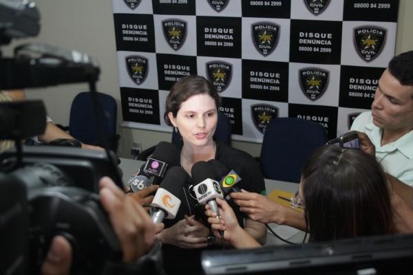 Delegada fala sobre prisão de acusado, mas não detalha investigações