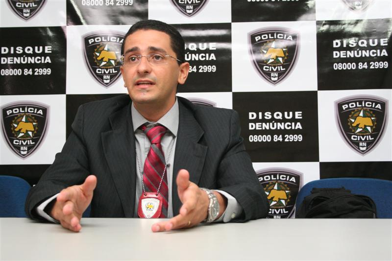Delegado Leonardo Freitas detalha prisão do acusado de matar adolescente em São Miguel do Gostoso
