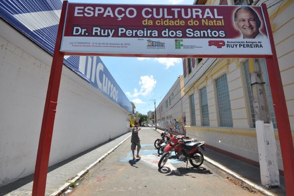 Trecho da rua Profº Zuza foi rebatizado para espaço cultural, através de Lei Municipal, com direito a placa na entrada