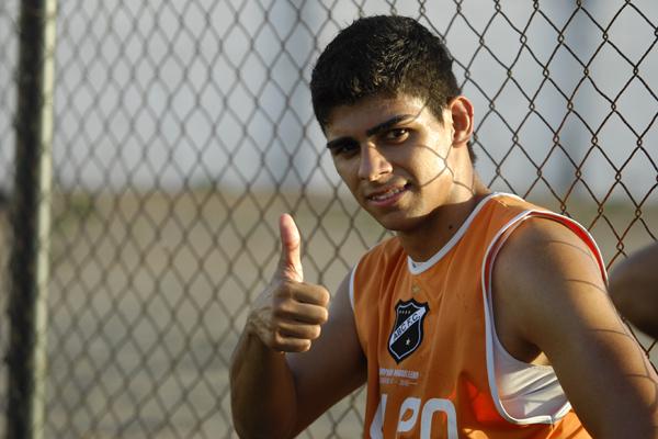 Meio-campista Jean Carioca deve ter hoje contra o Itabuna, no Frasqueirão, sua grande oportunidade de voltar ao time titular alvinegro