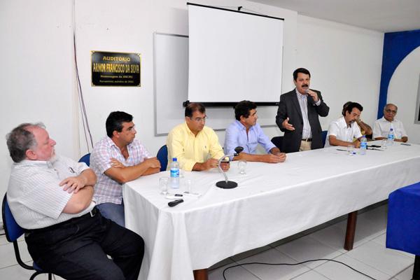 Ricardo Motta sugere mobilização da sociedade para enfrentar graves problemas no interior