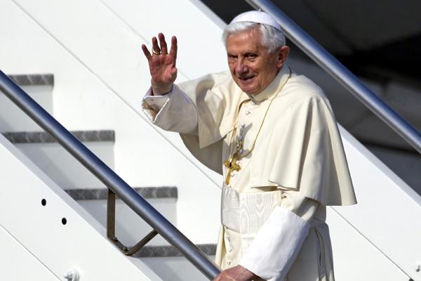 Bento XVI alegou idade avançada para deixar o cargo; ele tem 85 anos