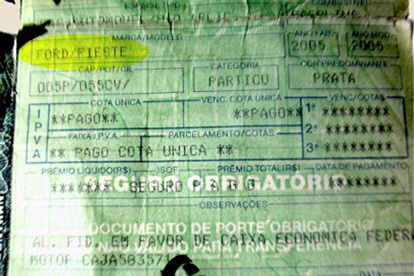 PRF identificou sinais de adulteração no documento do veículo