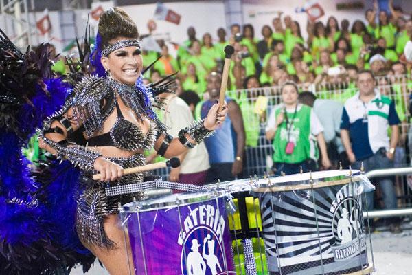 A escola de samba campeã em São Paulo teve a sedução como tema do enredo
